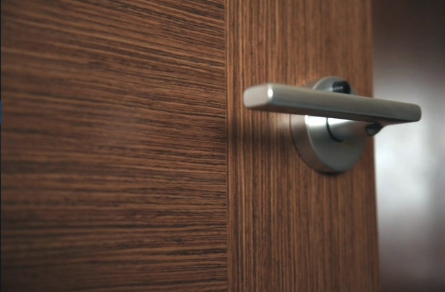 Ремонт дверных ручек