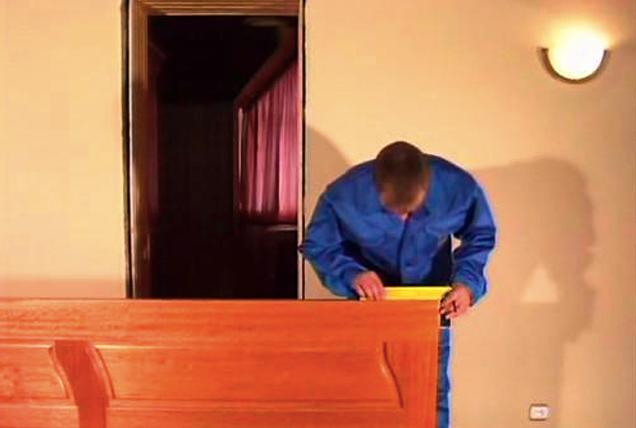 Как сделать профессиональный ремонт межкомнатных дверей